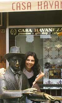Estátua de Fernando Pessoa, Chiado