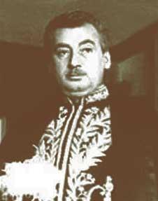 Jorge Amado com o fardão da Academia Brasileira de Letras (1961). Apesar do sucesso popular, Amado nunca foi unanimidade entre os críticos.