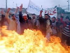 Protesto de muçulmanos contra Bento XVI