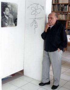 Niemeyer com retrato de Prestes