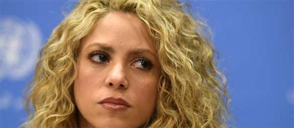 Shakira preocupada