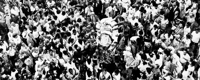 Enterro de Irmã Dulce em Salvador