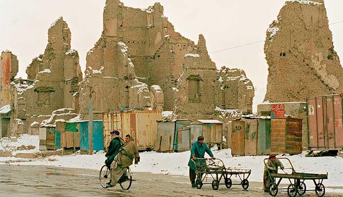 Ruínas em Cabul, Afeganistão